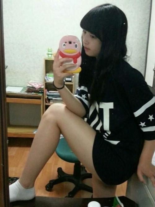韓国の清楚系美少女の自分撮りヌード画像 4
