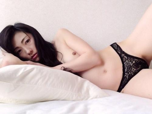 ガールフレンドの美人女子大生のヌード画像2 13