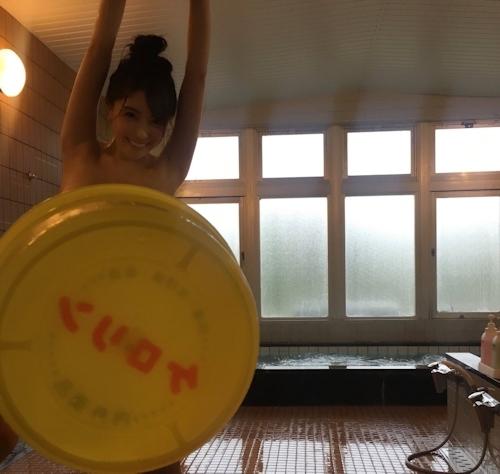 日本一エロすぎるグラドル♡ 森咲智美ちゃんの浴室セクシー画像 4