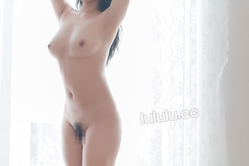 JK制服を着た美乳少女のヌード画像 19