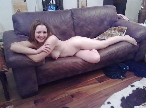 巨乳なイギリスの18歳美少女のヌード画像 4