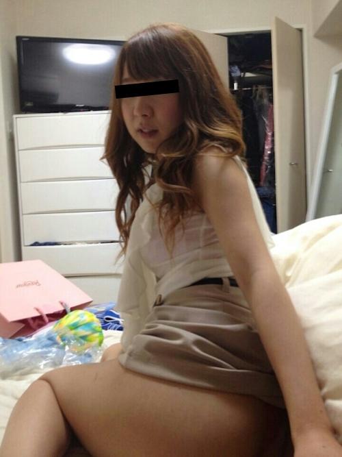 美尻なガールフレンドの日常を撮ったプライベートヌード画像 1