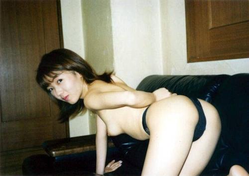 お嬢様系素人美女をホテルで撮影したヌード画像 1
