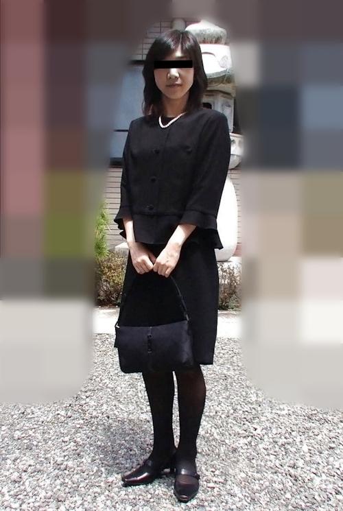 乳首の長い素人熟女のプライベートヌード画像 1