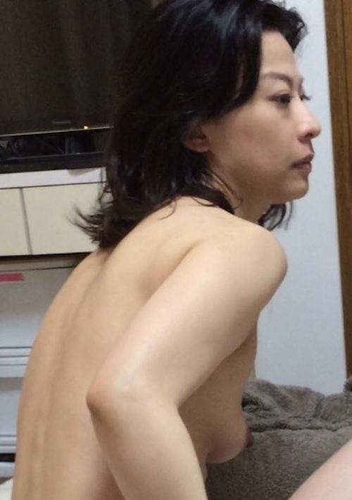 アラフォー美人妻のプライベートヌード画像 5
