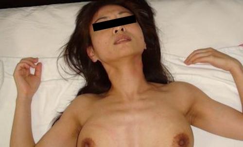 素人美熟女のプライベートヌード画像 10