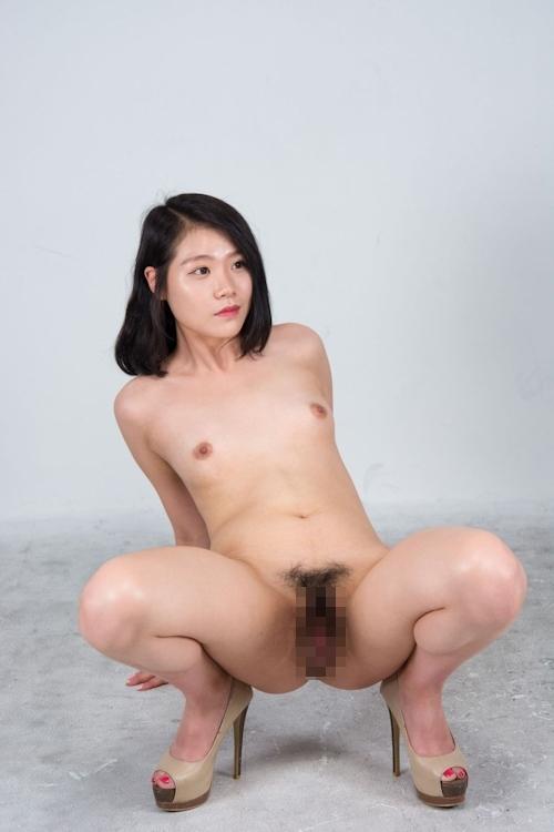 韓国美女モデルのマ○コくぱぁ画像 4
