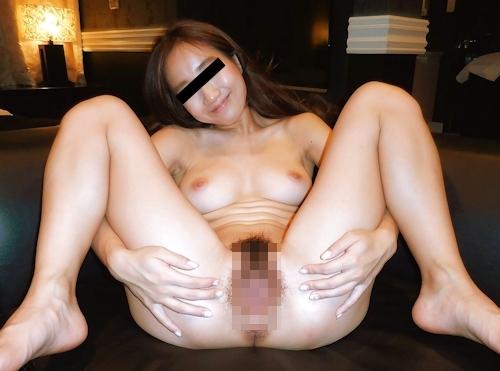 美人OLのM字開脚流出ヌード画像 11