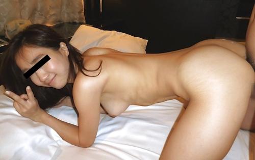美人OLのM字開脚流出ヌード画像 13