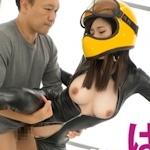 美人ピアノ教師がヘルメット&ラバースーツで生ハメセックス画像