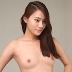 スレンダー微乳な韓国素人美女を撮影したヌード画像