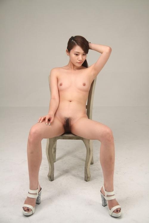 スレンダー微乳な韓国美女モデルのヌード画像 6