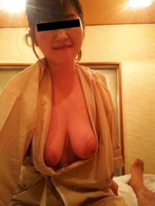 どエロい垂れ乳おっぱいをした素人美女の流出ヌード画像 2