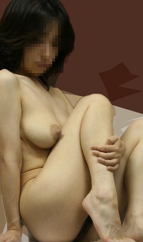 巨乳な熟女の温泉盗撮ヌード画像 7