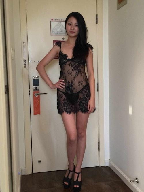 中国美女モデルのヌードを個人撮影した後ハメ撮りしてる画像 1