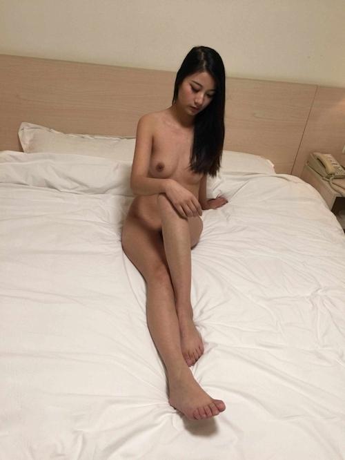 中国美女モデルのヌードを個人撮影した後ハメ撮りしてる画像 10