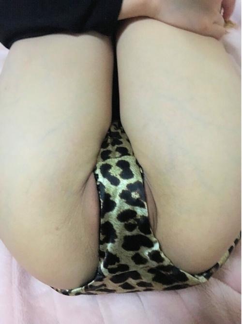 24歳巨乳人妻のオナニー&ハメ撮りヌード画像 1