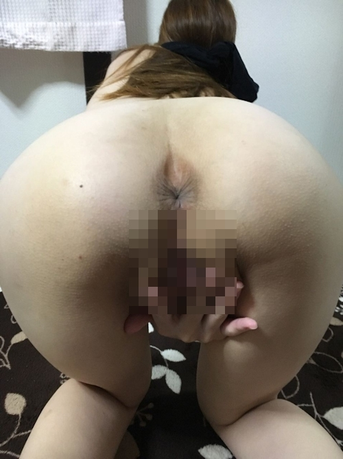 24歳巨乳人妻のオナニー&ハメ撮りヌード画像 8