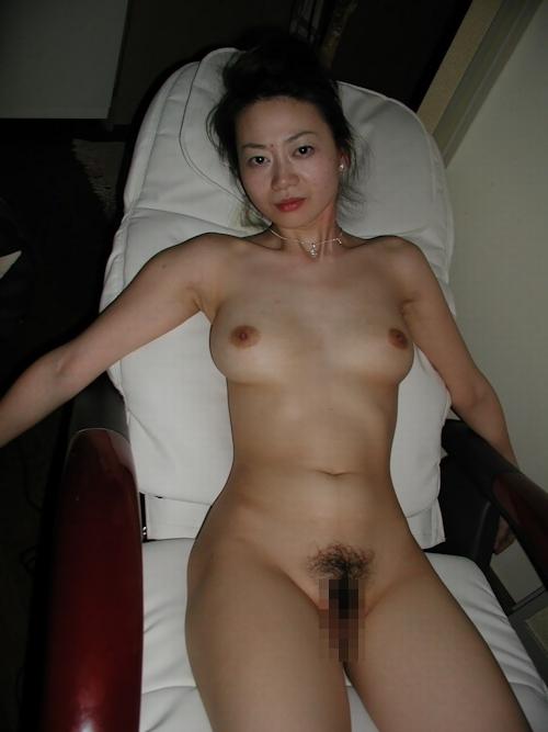 美乳な美人妻のバイブ挿入など流出ヌード画像 3