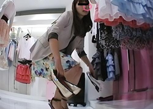 アパレルショップの美人店員のスカート内盗撮パンティ画像3 1