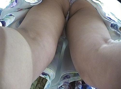 アパレルショップの美人店員のスカート内盗撮パンティ画像3 5