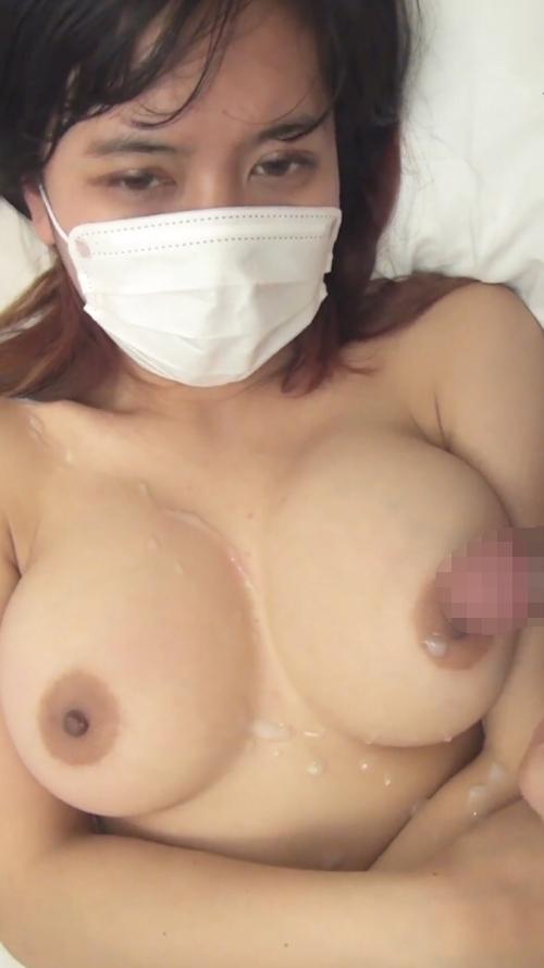 巨乳素人美女のパイズリ&フェラ画像 6
