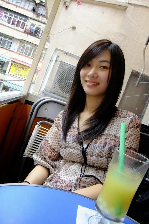 香港の美微乳素人美女のプライベートヌード流出画像 3