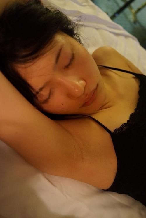 まんまる巨乳なアジアン素人美女のハメ撮りセックス画像 1