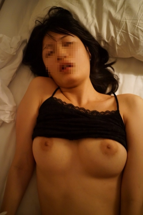 まんまる巨乳なアジアン素人美女のハメ撮りセックス画像 8