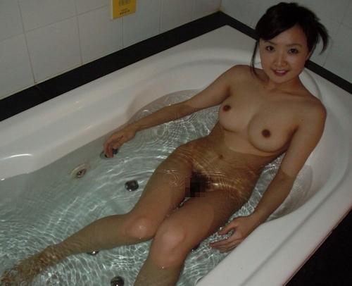 童顔巨乳な20歳素人美女のハメ撮りセックス画像 1