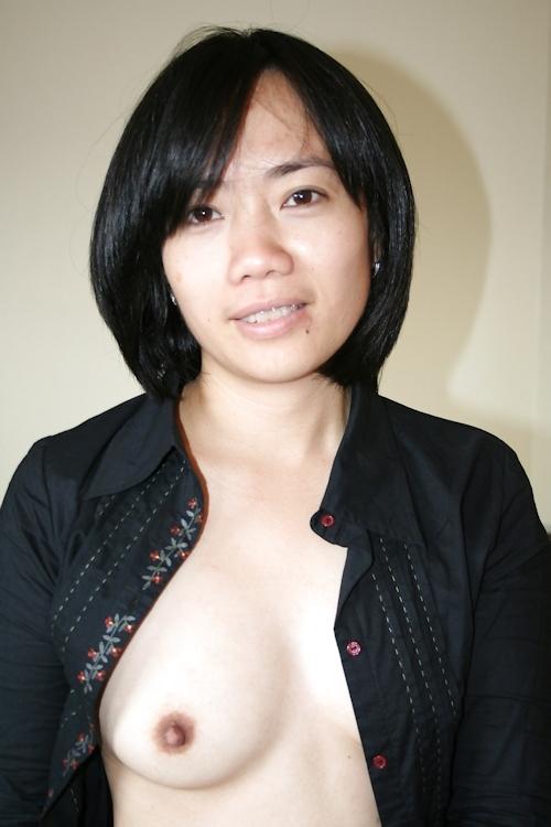 ベトナム素人美女の流出ヌード画像 1