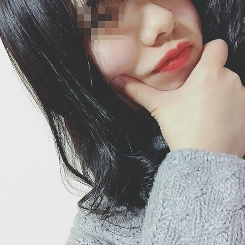 素人美少女の自分撮りヌード画像 2