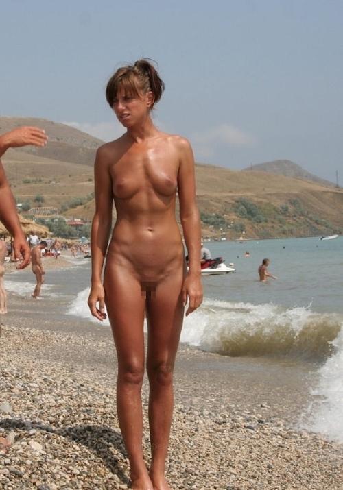 ヌーディストビーチにいた美女のヌード画像特集11 18