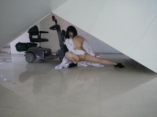 病院で撮影したナースのヌード画像 4