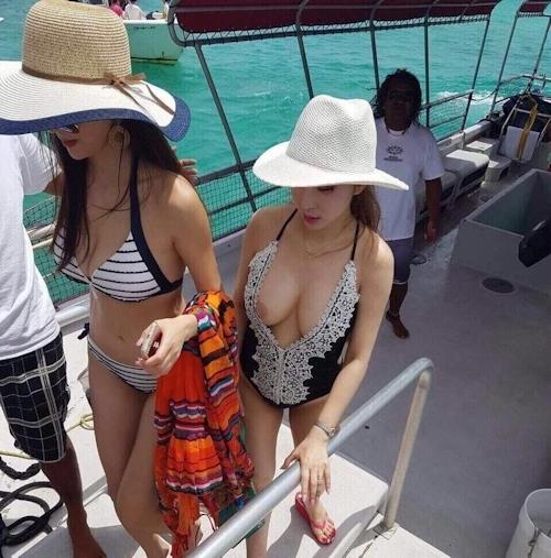 素人女性の透け乳首画像 9