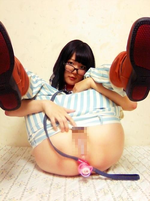 パイパン美少女の自分撮りマ○コ&アナル画像 2