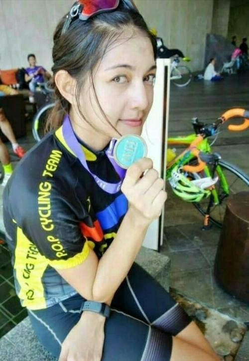 タイの美人サイクリストの自分撮りヌード画像 2