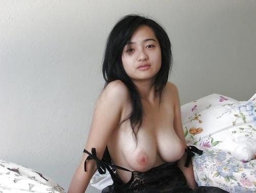 浴衣を着た巨乳アジアン美女のヌード画像 5