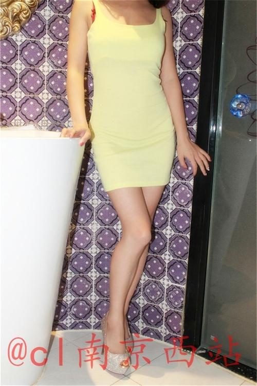 美乳な中国女性のヌード画像 4