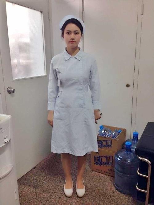 巨乳な中国美人ナースのプライベートヌード画像 2