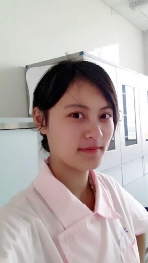 巨乳な中国美人ナースのプライベートヌード画像 3