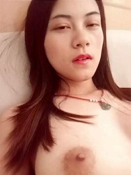 巨乳な中国美人ナースのプライベートヌード画像 7