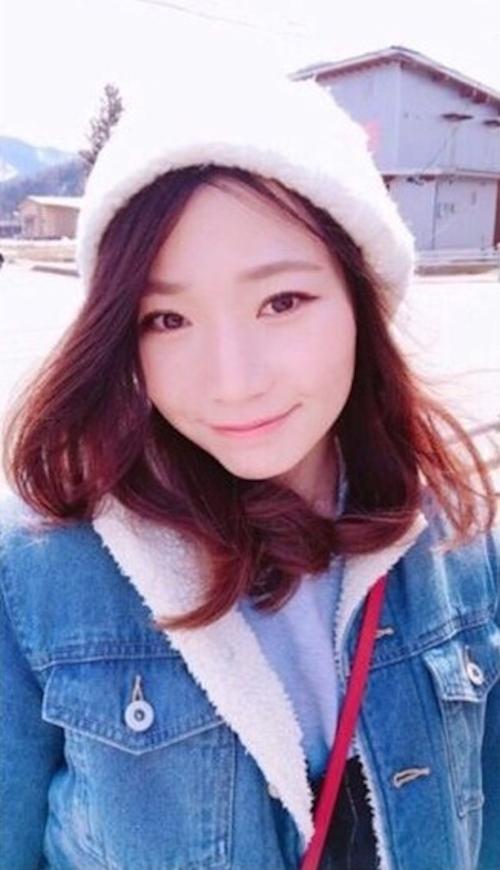 中国の25歳素人美女の自分撮りヌード画像 1