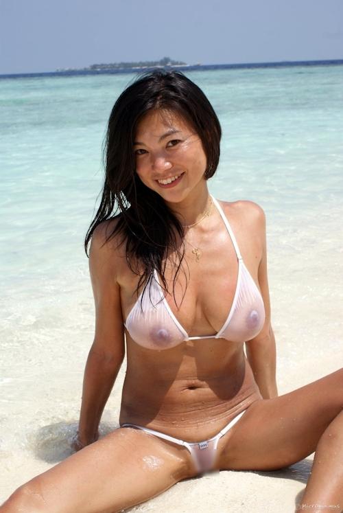 スケスケビキニ美女のセクシー画像 9