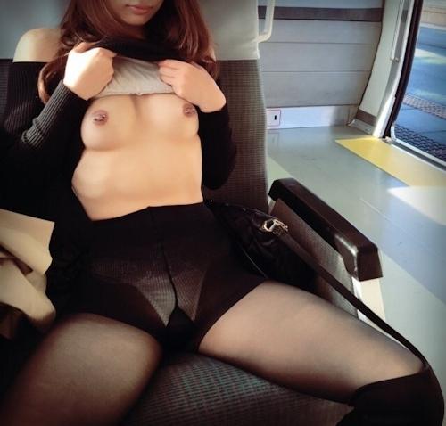スレンダー美人な性奴隷のヌード画像 3