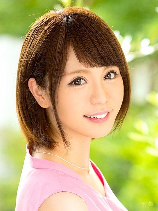 江藤侑里 ナニワで人気の元アナウンサーのAV女優画像