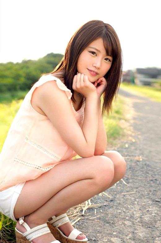 伊藤優希 パイパン美少女の現役女子大生画像