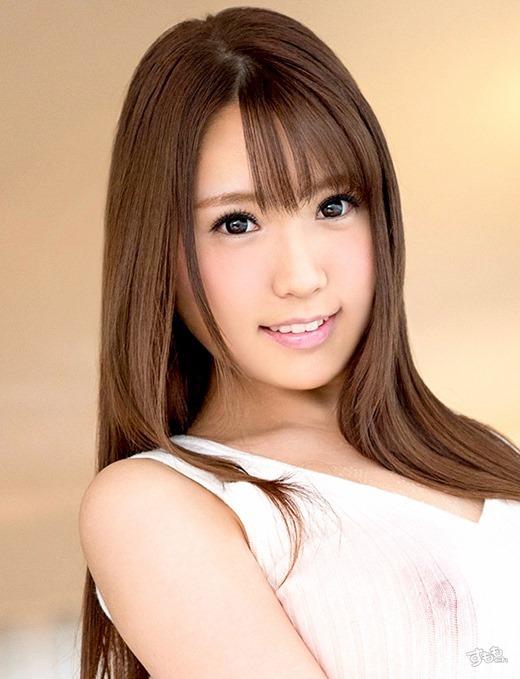 香坂紗梨 ロケットおっぱい美少女画像