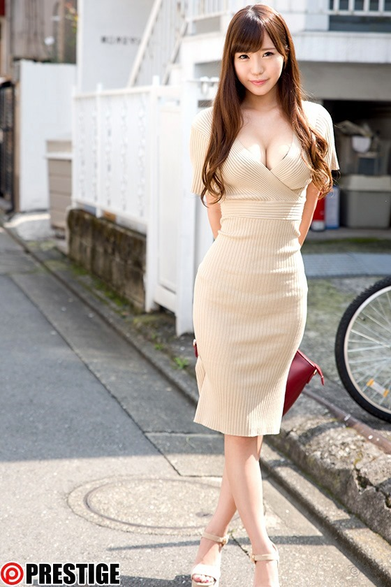 黒川サリナ グラマラスボディの美少女画像
