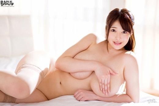 益坂美亜 画像 22